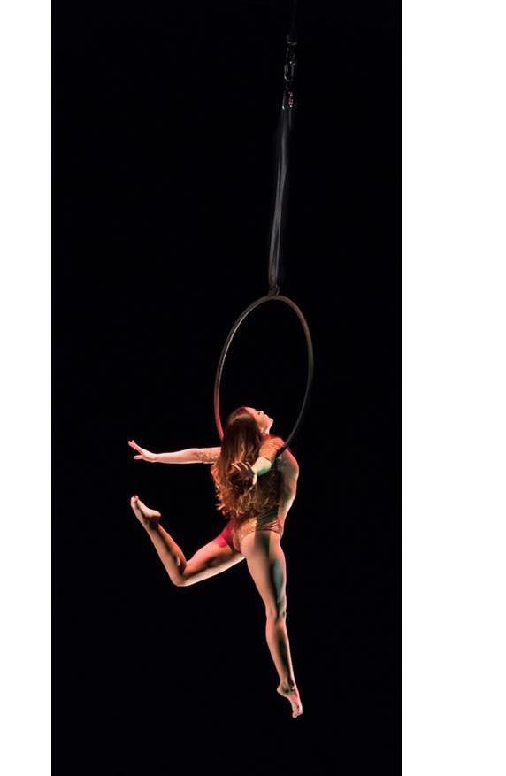 Bailarina colgando aro MF